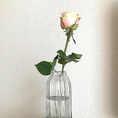 バラの一輪挿し