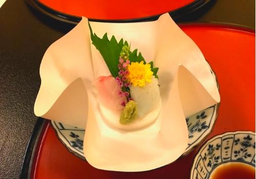 季節の鮮魚 和紙盛り