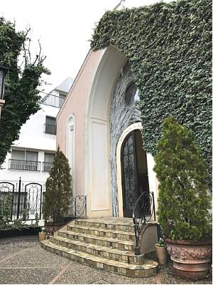 南青山ル・アンジェ教会の外観