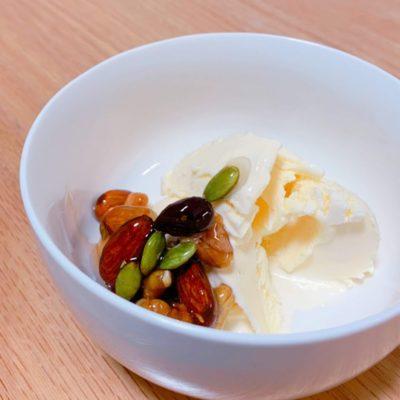 アイスクリーム with ナッツの蜂蜜漬け
