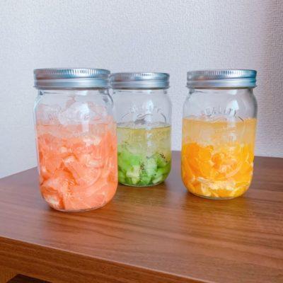 瓶詰めのフルーツ酢3種