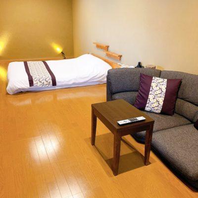 半露天風呂付客室「風林」リビング&ベッドルーム