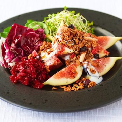 ヨーガニックライフグラノーラのパワーフードサラダ