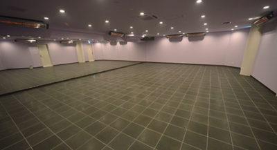 「アミーダヨガ」溶岩石スタジオ